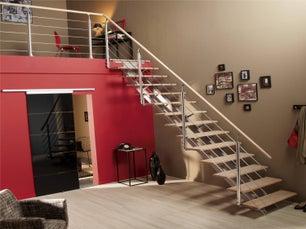 Escaliers sur mesure la bonne marche suivre leroy merlin - Changer un escalier en bois ...