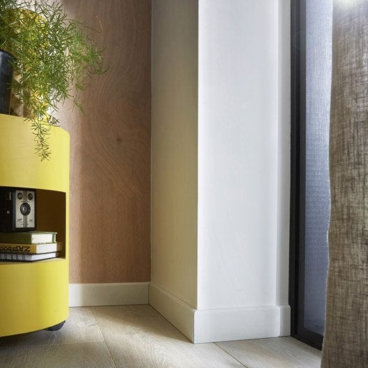 plinthe m dium mdf arrondie pr peint blanc 10 x 100 mm. Black Bedroom Furniture Sets. Home Design Ideas