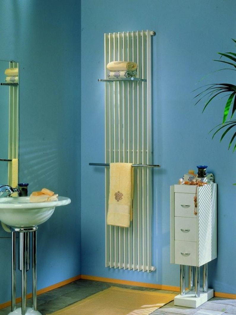 habiller le mur de la salle de bain d 39 un radiateur sur toute la hauteur leroy merlin. Black Bedroom Furniture Sets. Home Design Ideas