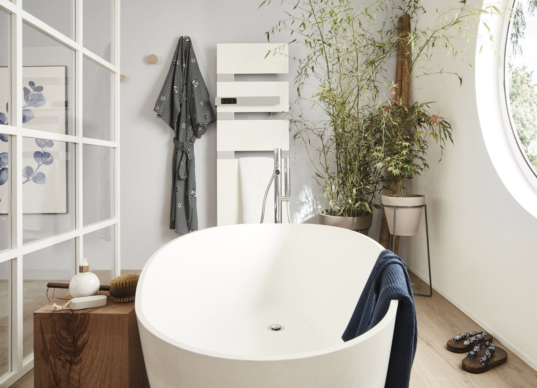 Baignoire îlot pour salle de bains lumineuse | Leroy Merlin