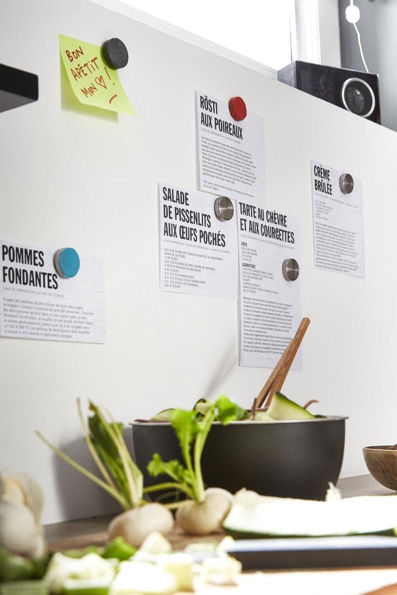 Un Mur Avec Une Peinture Magn Tique Pratique Pour La Cuisine