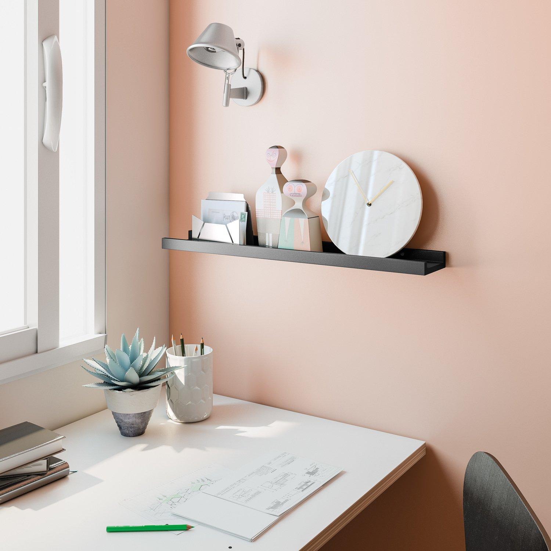 Une étagère spécialement conçue pour poser des cadres photos | Leroy ...