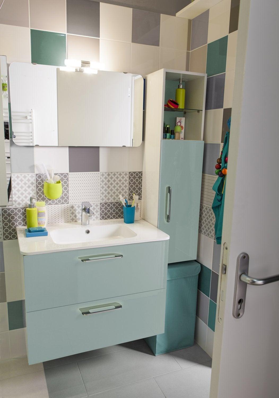un tiroir pratique pour les rangements de la salle de bains leroy merlin. Black Bedroom Furniture Sets. Home Design Ideas