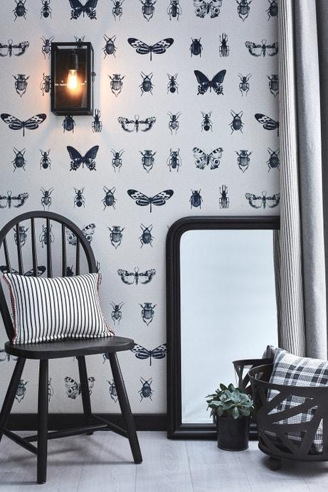Un coordonné réussi entre les rideaux, l'applique et le papier peint