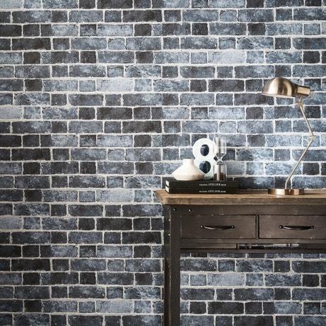 Le papier peint trompe l'oeil en brique, du plus bel effet !