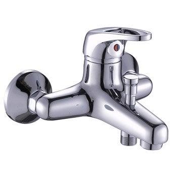 Robinet de baignoire robinet de salle de bains leroy for Mitigeur salle de bain leroy merlin
