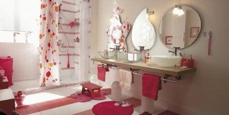 assez de voir des jouets tra ner dans la baignoire de. Black Bedroom Furniture Sets. Home Design Ideas
