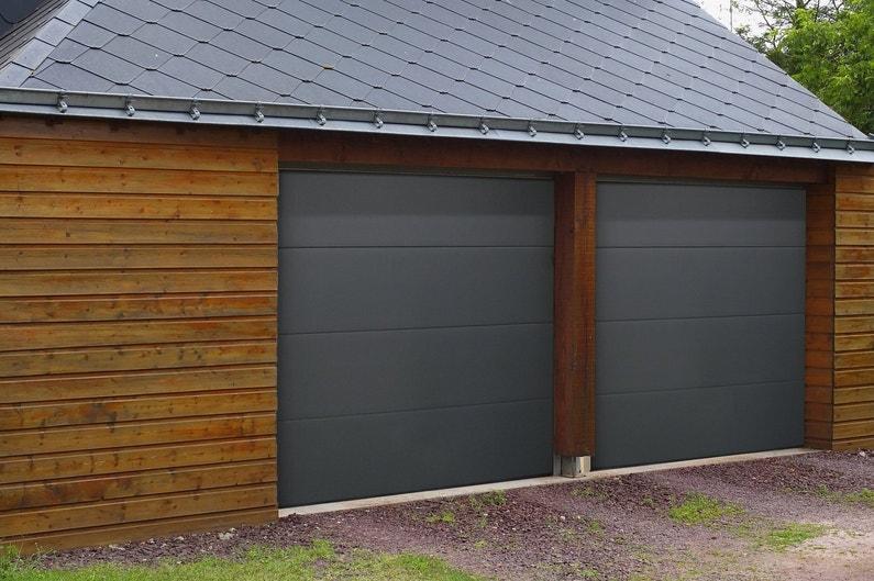Une porte de garage s curit renforc e - Porte de garage moderne ...