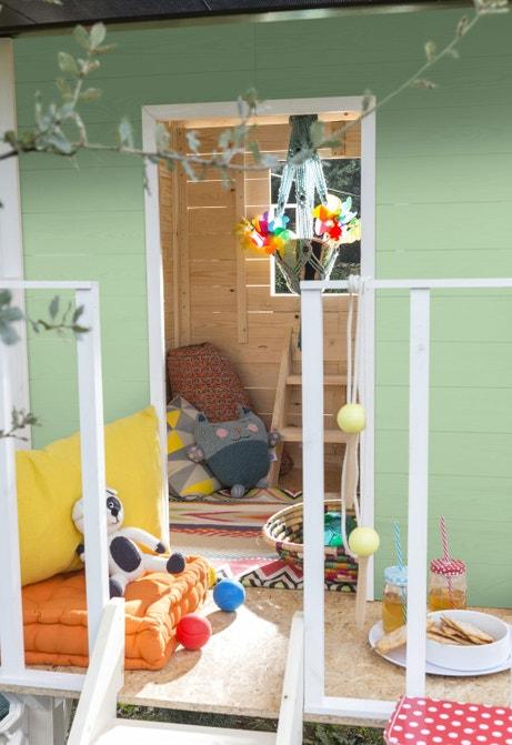 Une maisonnette tendre et colorée pour les enfants
