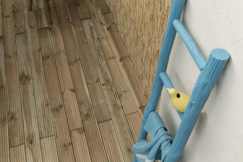 Une planche bois pin pour l'extérieur