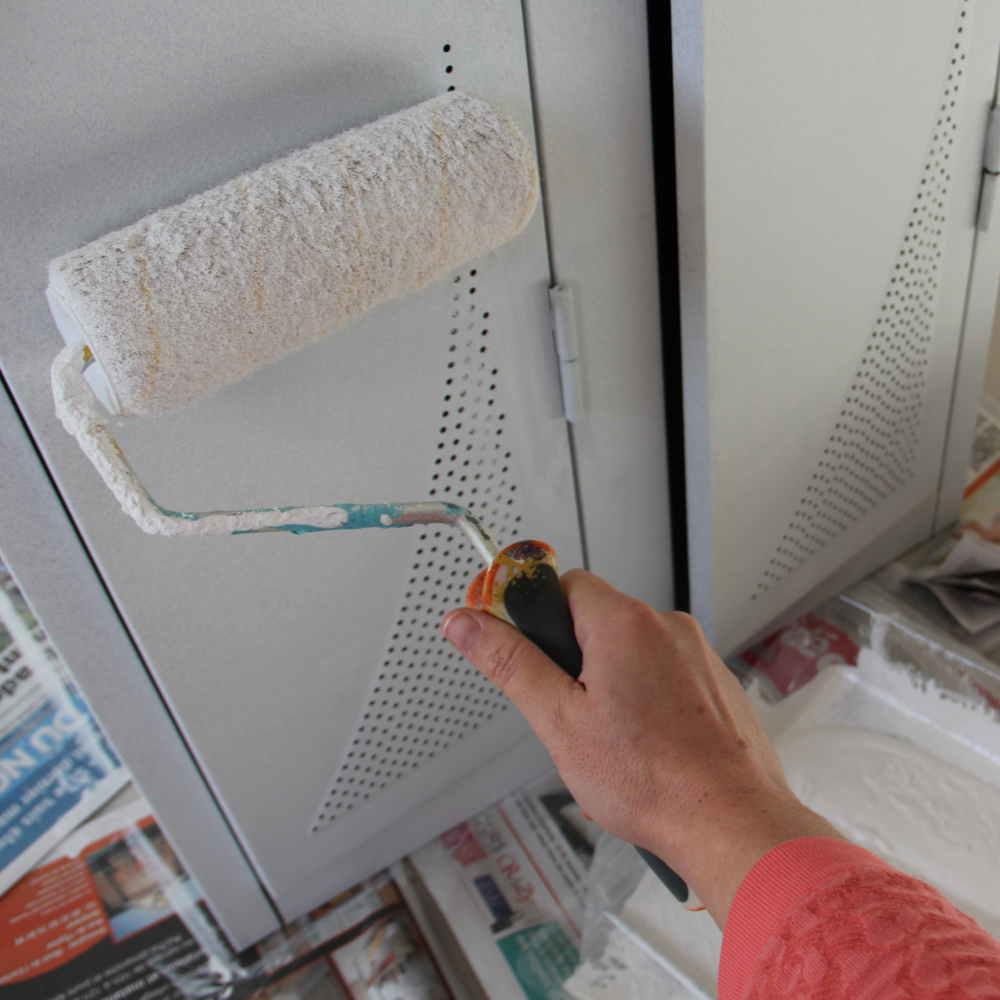 diy transformer un casier en meuble vintage leroy merlin. Black Bedroom Furniture Sets. Home Design Ideas
