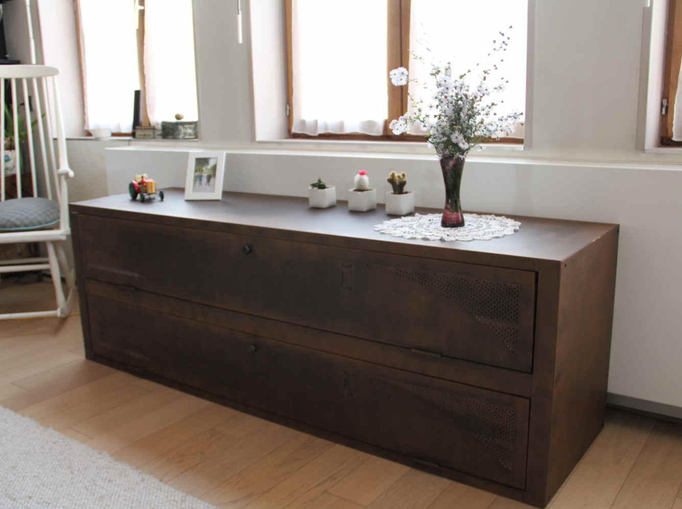 comment customiser un casier en meuble vintage leroy merlin. Black Bedroom Furniture Sets. Home Design Ideas