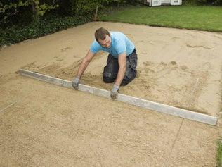 Comment réaliser des terrassements ?