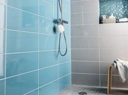 Tout savoir sur la douche l 39 italienne leroy merlin for Pose carrelage douche a l italienne