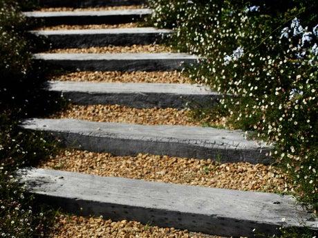 comment cr er un escalier ext rieur en bois leroy merlin. Black Bedroom Furniture Sets. Home Design Ideas