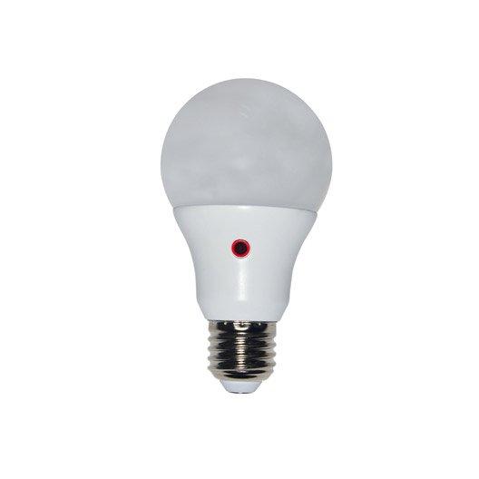 ampoule led avec d tecteur cr pusculaire 12w 1055lm quiv 75w e27 lexman leroy merlin. Black Bedroom Furniture Sets. Home Design Ideas