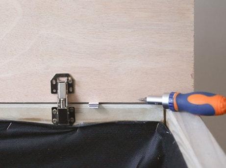 DIY : Fabriquer un coffre de rangement en bois | Leroy Merlin