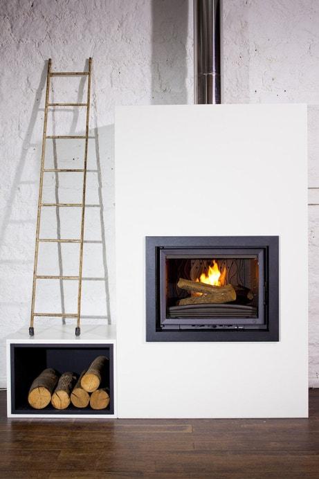 Une cheminée design pour réchauffer le salon