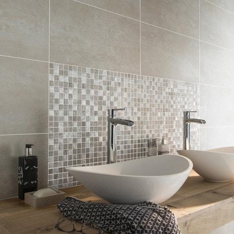 Des vasques à poser dans une salle de bains