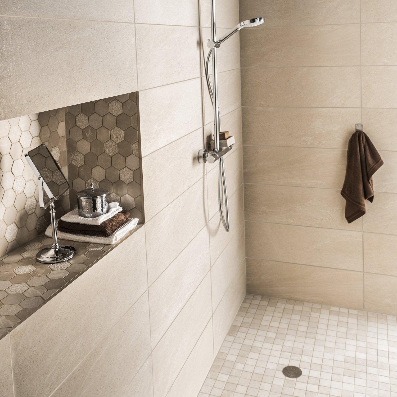 Douche à l\'italienne avec une niche de rangement | Leroy Merlin