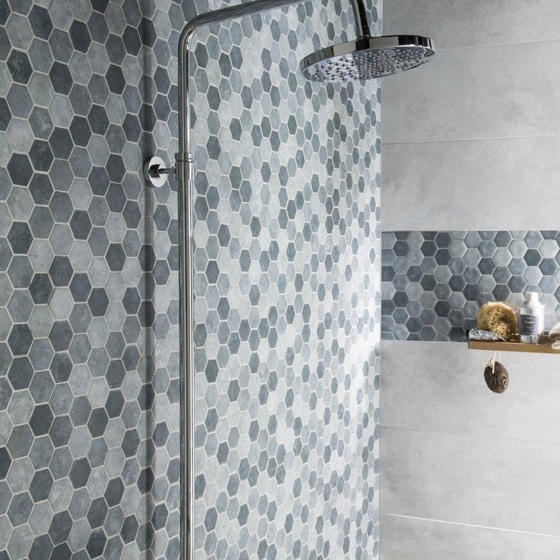 Une mosa que hexagonale dans la douche leroy merlin for Carrelage hexagonal leroy merlin