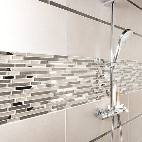 Style métallique pour la douche