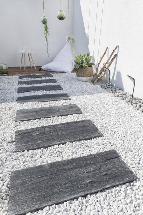 un jardin pour se ressourcer leroy merlin. Black Bedroom Furniture Sets. Home Design Ideas