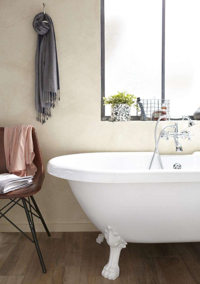 une baignoire vintage pattes de lion leroy merlin. Black Bedroom Furniture Sets. Home Design Ideas