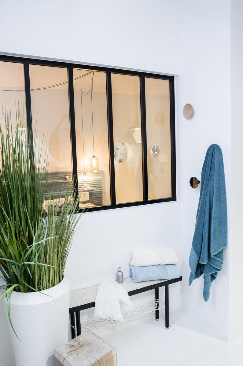 une verri re chambre qui s pare la suite parentale de la salle de bains leroy merlin. Black Bedroom Furniture Sets. Home Design Ideas