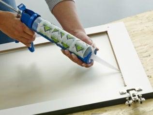 Poser une vitre sur son meuble de cuisine