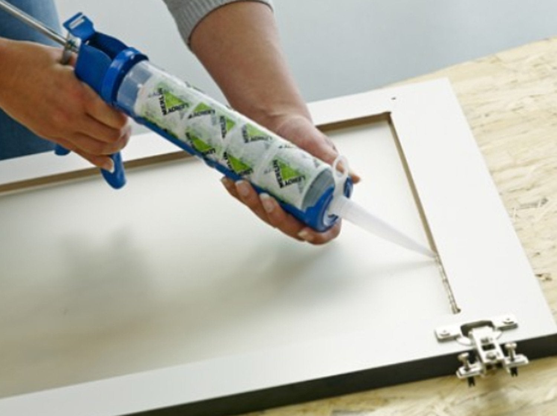 Comment poser un vitrage dans un meuble de cuisine ?