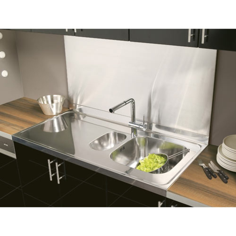 le plan de travail inox pour une pr paration de chef leroy merlin. Black Bedroom Furniture Sets. Home Design Ideas