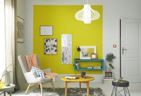 Un salon style scandinave jaune