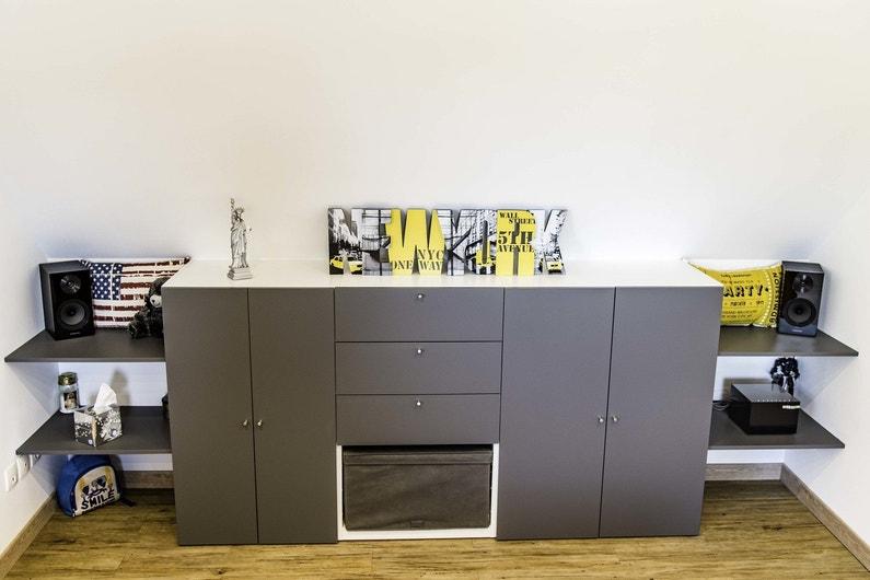 Rangement pratique et style new york dans la chambre d for Rangement pratique chambre