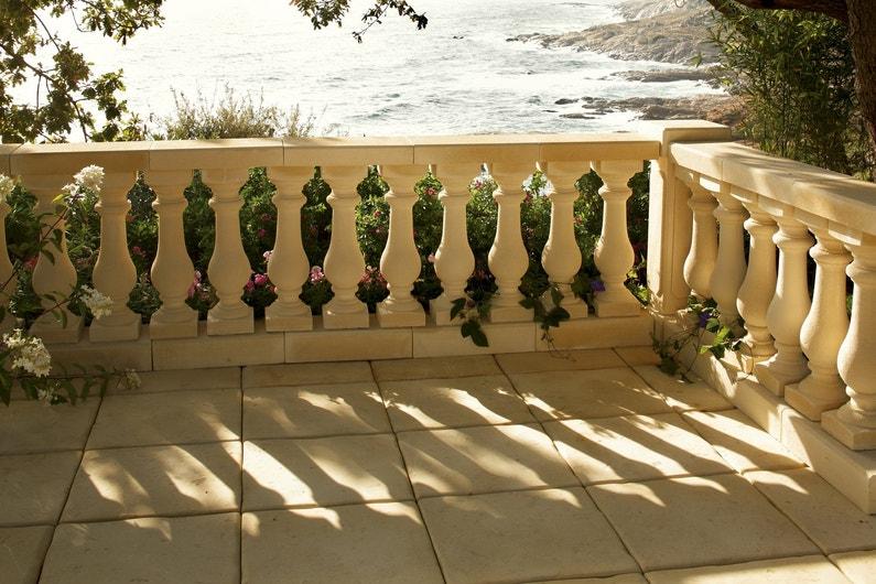 Balustres et garde corps pour s curiser la terrasse - Leroy merlin balustrade ...