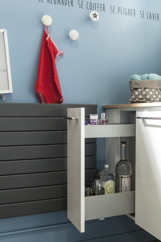 des petits pots fixer au mur pour vos accessoires de salle de bains leroy merlin. Black Bedroom Furniture Sets. Home Design Ideas