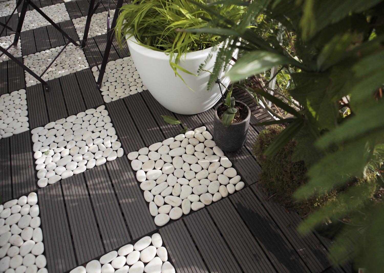 Une terrasse moderne avec ce mix galets et dalles | Leroy Merlin