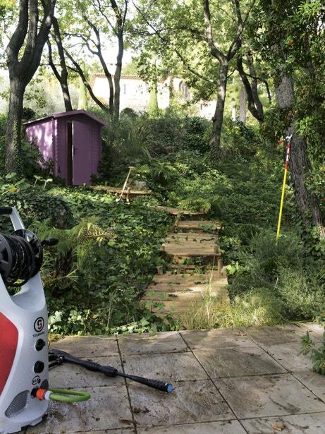 Un abri au fond du jardin pour y ranger tous ses outils