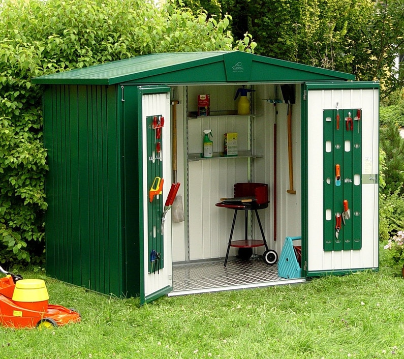 des rangements utiles pour un abri de jardin leroy merlin. Black Bedroom Furniture Sets. Home Design Ideas