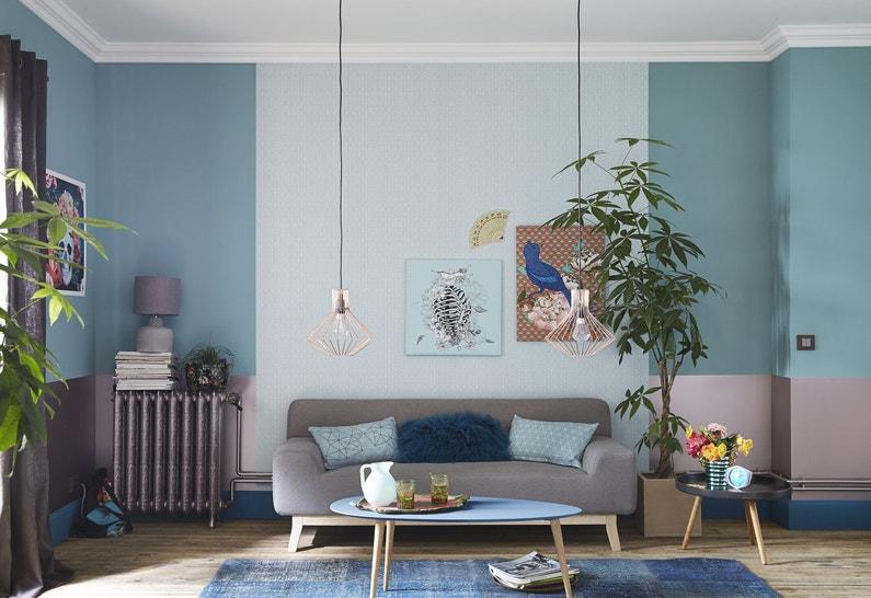 jouer sur les nuances de bleu pour un s jour charmant leroy merlin. Black Bedroom Furniture Sets. Home Design Ideas