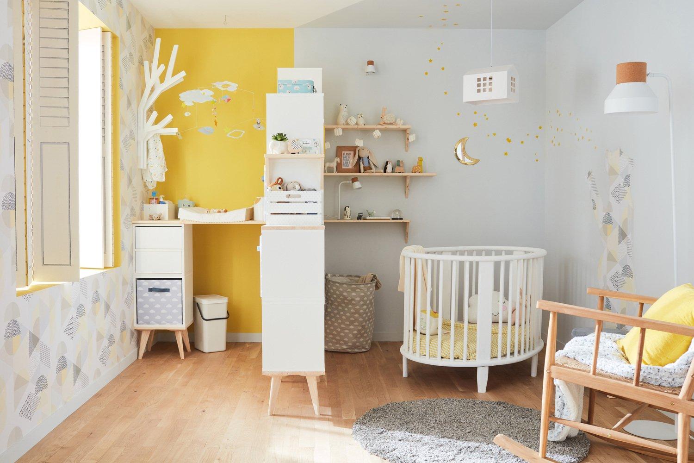 Une Chambre De Bebe Avec Des Espaces Bien Delimites Leroy