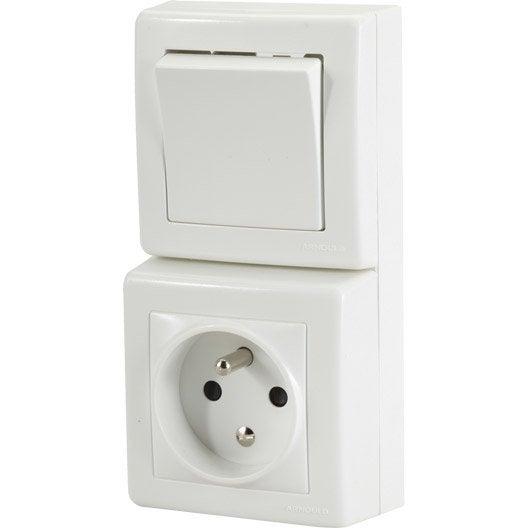 Interrupteur et prise avec terre saillie profil arnould for Hauteur prise et interrupteur