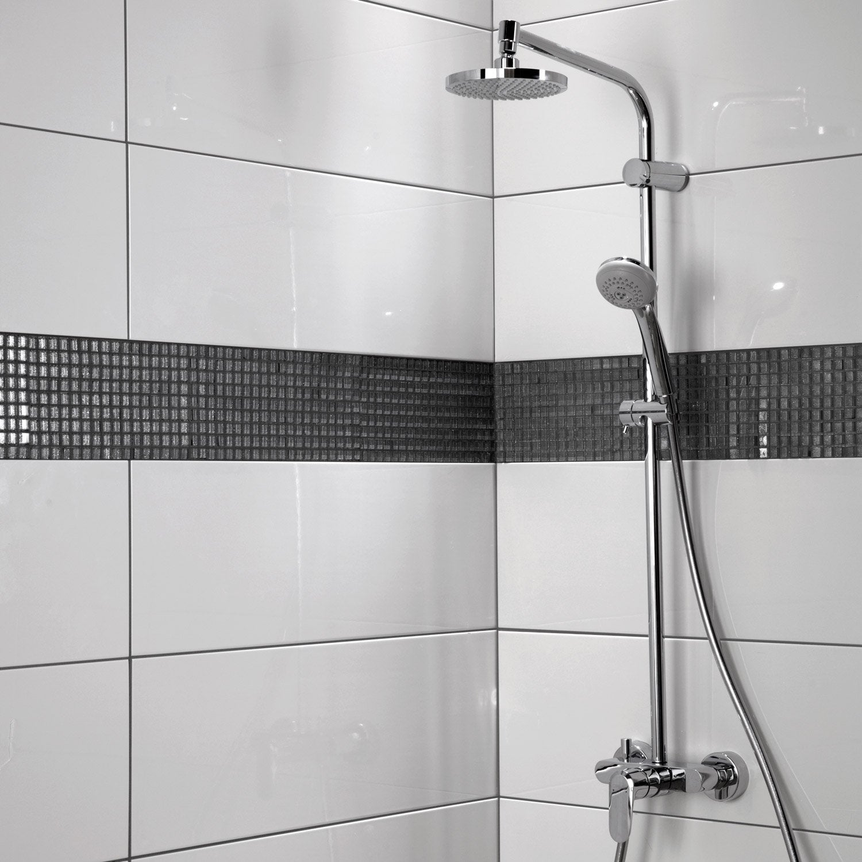 Carrelage salle de bain noir et blanc - duo intemporel très classe