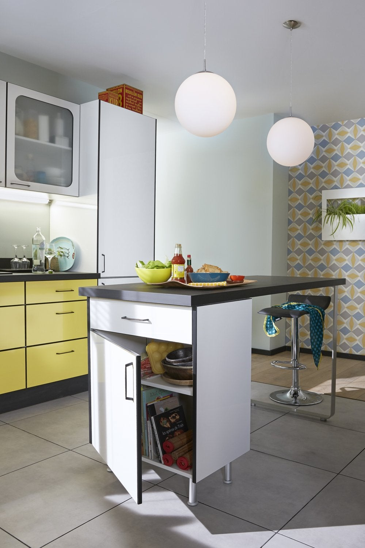 une cuisine au look r tro avec un lot snack leroy merlin. Black Bedroom Furniture Sets. Home Design Ideas