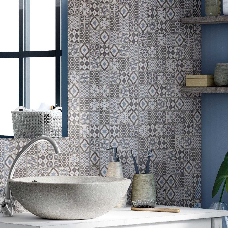 des carreaux de ciment dans la salle de bains - Leroy Merlin Carrelages Salle De Bain