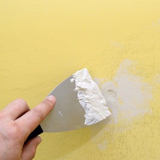 Comment reboucher des petits trous et fissures leroy merlin - Comment boucher un trou dans un mur ...
