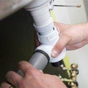 Réparer une fuite d'eau et déboucher son évier (1h30 - 2h)
