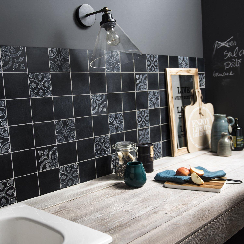 Mosaique Pour Credence Cuisine une mosaïque noire pour une crédence moderne | leroy merlin