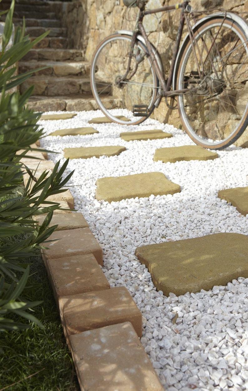Des all es inspir es pour votre jardin for Terrasse bois gravier blanc