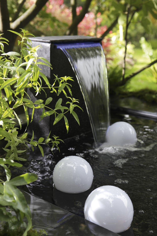 une fontaine pour embellir votre jardin leroy merlin. Black Bedroom Furniture Sets. Home Design Ideas